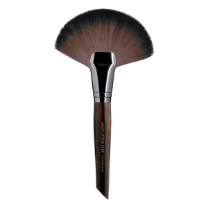 MAKE UP FOR EVER  Powder Fan Brush Large 134 - didelis vėduoklinis pudros šepetėlis